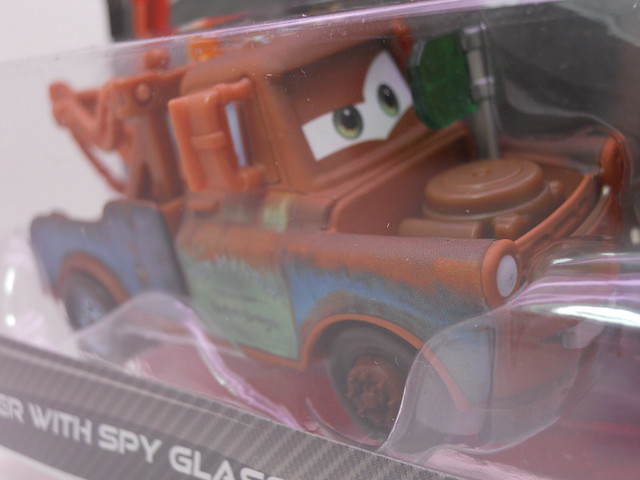 disney cars 2 mater with spy glasses acer maters secret mission 2 pack (2)
