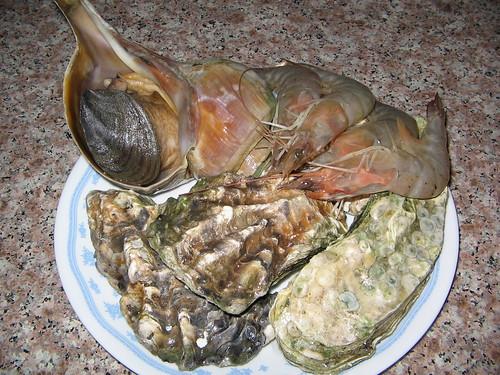 響螺、生蠔和大蝦