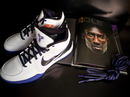 Kobe IV Shoe - White/Purple