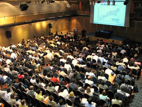 Auditorio, dia de Internet en Rosario (by morrissey)