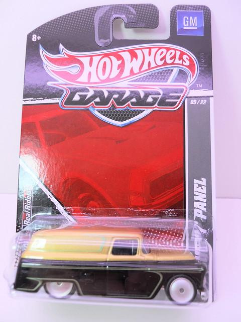 hot wheels garage chevy panel (1)