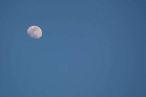 Luna de media tarde