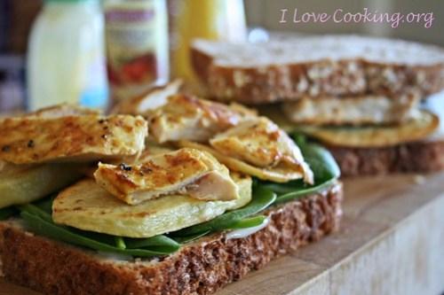 Sandwich di pollo alla marocchina con patate