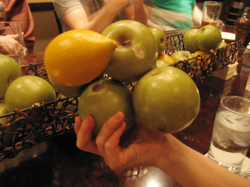Apples and lemmon, all in one.