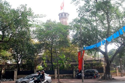 Cột cờ 4 - phía đường Hoàng Diệu
