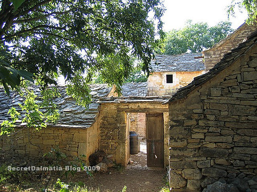 Old stone houses of Plastovo...