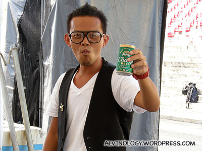 Bernard from Chou Pi Jiang (臭皮匠) showing off his beer