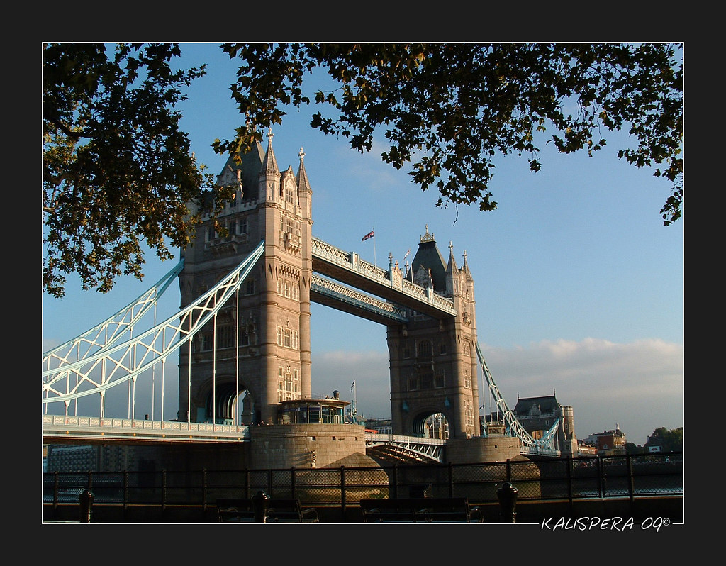 Tower Bridge...nel sole.