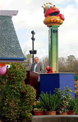 Elmo & John Reilly, General Manager of Busch Gardens