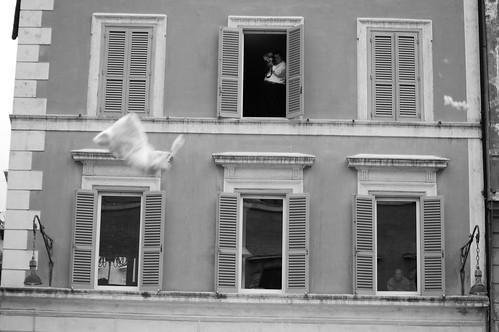 roman pillow fight 2009