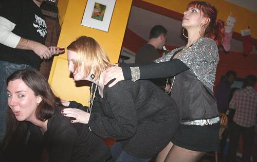 20081231 - New Year's Eve party @ Angel's - Susan, Angel, Meagan - prairie-dogging - (by AE) - 3156909480_b4b708e9a4_o