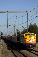 One of the final runs of T120 - Interail shuttle from Yennora Distribution Yard to Port Botany. 19/2/09