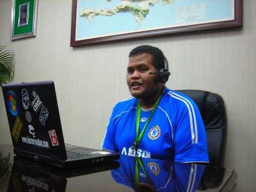 Grabando el episodio. Foto cortesía de Omar, de LaSaeta.com