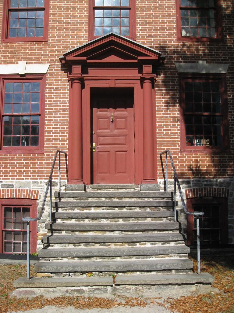 081020.146.NJ.Trenton.OldBarracks.OfficersHus.rebuilt