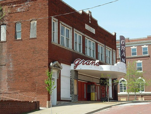 Abandoned Grand Theater, Long Shot - Alton, Illinois - 4/26/09