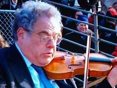 Musical Interlude - Itzhak Perlman on Violin