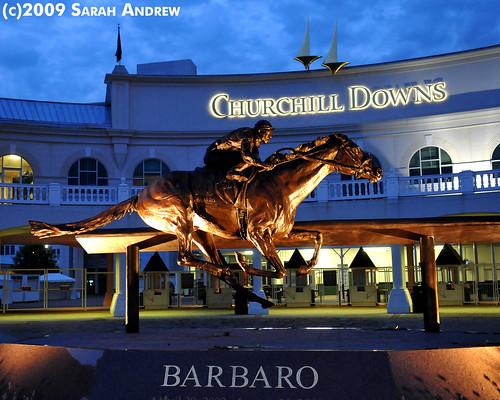 Barbaro memorial statue at Churchill Downs