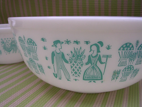Pair of Vintage Retro Pyrex Mixing Bowls - Country Pattern in Aqua by umdarc.