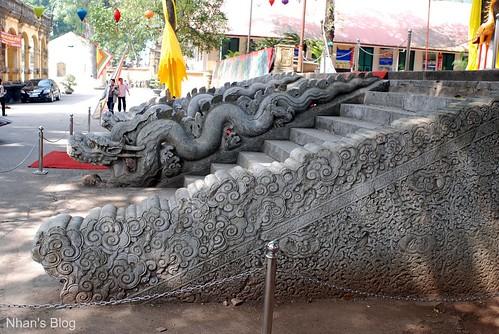 Rồng đá điện Kính Thiên 4