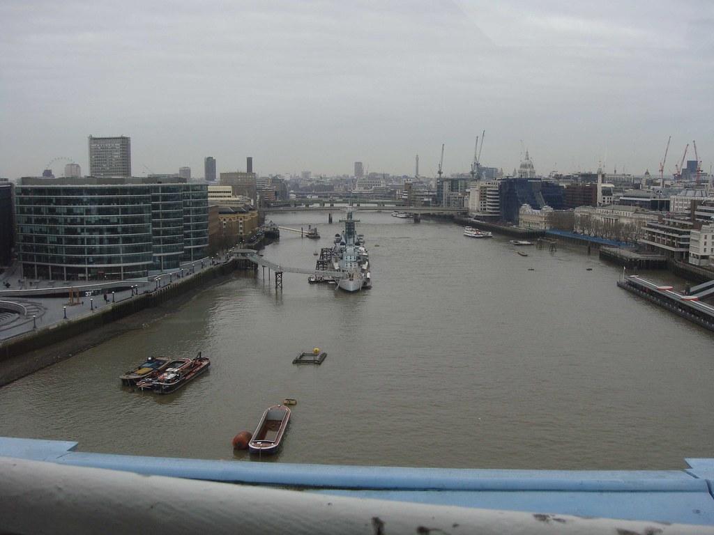 Panorámica desde las pasarelas superiores de las Bridge Towers