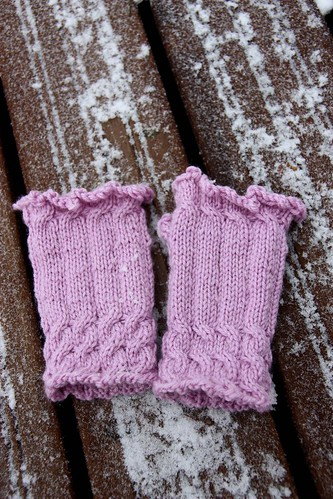 Fingerless Mitts for my ISE7 pal