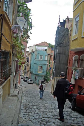 balat streets, golden horn, istanbul, pentax k10d