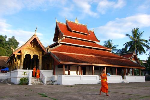 Wat Mai Suwannaphumaham.