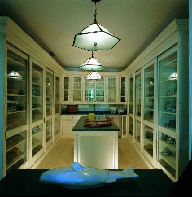 China pantry in Bunny's home in the Dominican Republic (Photo: Fritz von der Schulenburg)