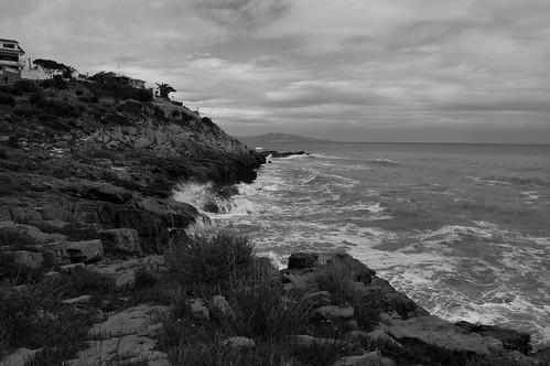 La costa en gris (I)