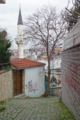 street of Aziz Mahmud Hüdai Hazretleri Mosque, Üsküdar, İstanbul, Pentax K10d