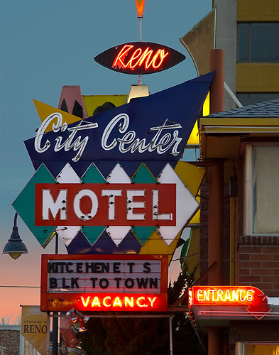 City Center Motel - foto: daikiki, flickr