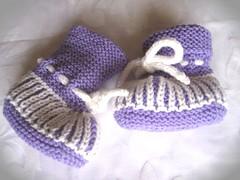 31-09 Booties Merino soft lila+weiß 2