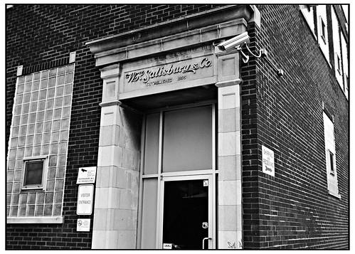 WH Salisburn Since 1855 - Ilford HP5 400