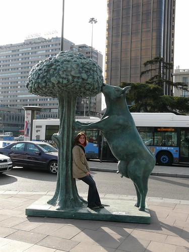 035_La vaca y el madroño