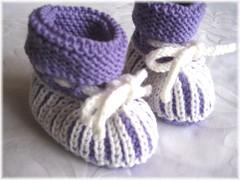 31-09 Booties Merino soft lila+weiß 1