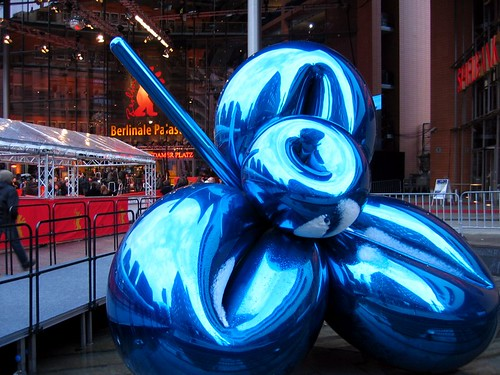 Balloon Flower by Jeff Koons.