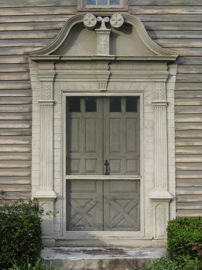 081024.041.MA.Stockbridge.MainSt.MissionHouse.1739.RevJohnSergeant.laterJohnEdwards.ConnecticutValleyDoor
