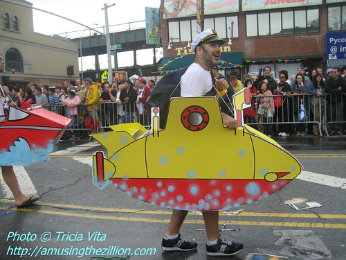 Mermaid Parade 2009: Yellow Submarine Merman. Photo © Tricia Vita/me-myself-i