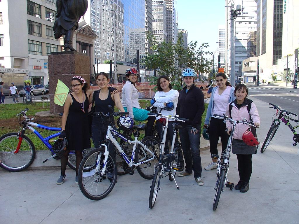 Concentração na Praça do Ciclista