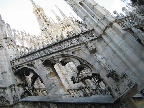 Día 4: Italia (Milán: Palacio Real, Galería Vittorio Emanuele, Duomo, Iglesia S. Maria della Grazie, La Última Cena, Castillo Sforzesco, Cementerio Monumental,etc).