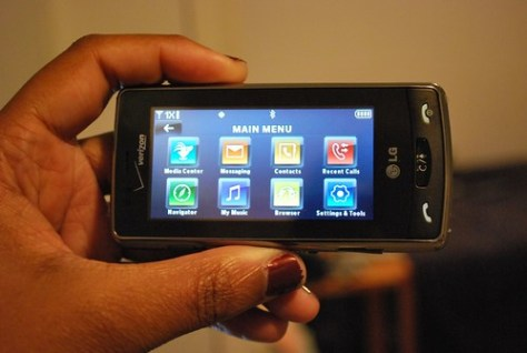 Mobile Phone Review - Verizon's LG Versa