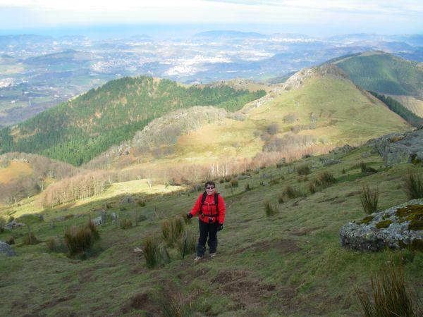 Foto 5 - Ultimo tramo de la ascensión con San Sebastián al fondo