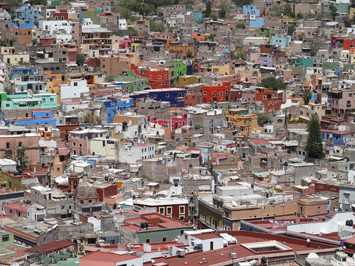 Colourful houses on the side of the ravine in Guanajuato