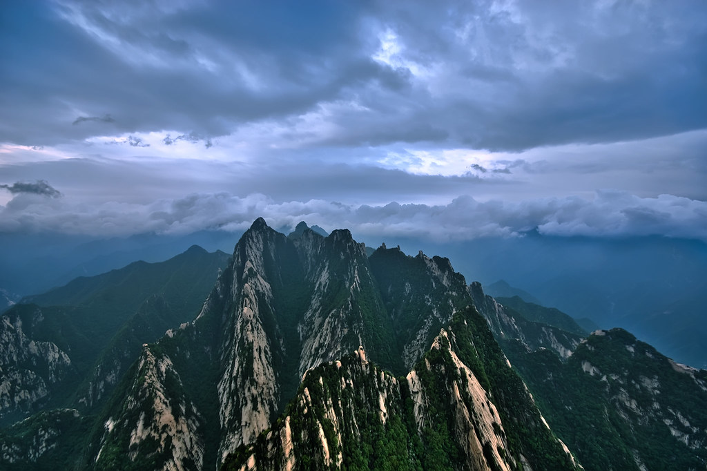 Mt. Huashan South Peak Sunrise