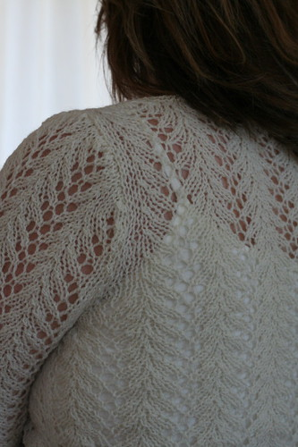 Set-in sleeve detail