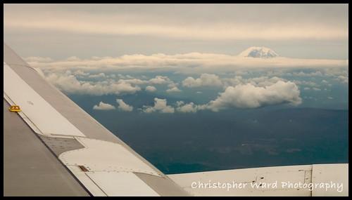 Plane Mt Ranier