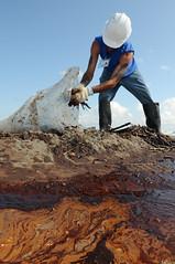 Contractors Assist in Deepwater Horizon Spill