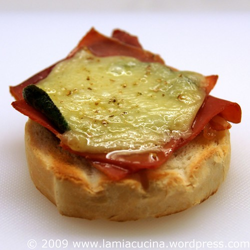 Toast Saltimbocca