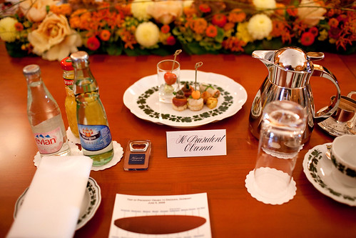 This should be the standard in table settings...I like all the beverage options.
