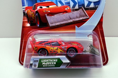 disney cars lightning mcqueen with shovel (2)